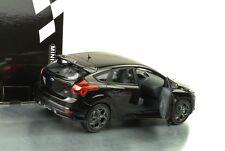 2011 Ford Focus ST schwarz metallic 1:18 Minichamps NEU OVP