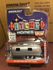 Greenlight 1:64 Hitched Homes 1972  Airstream Land Yacht w/ awning
