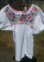 Puebla Mexican Blouse Top Shirt White Embroidered Flowers Floral Medium R