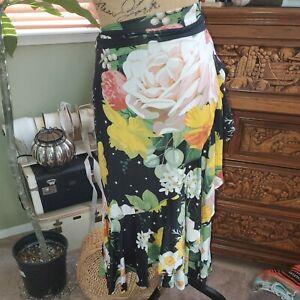 LuLaRoe med Bella Wrap Skirt Ruffle Hem ~ Stunning Black with Floral