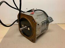 Yaskawa Electric USADED-13YRS11 1,3kW 9402 Servomotor AC Servo motor