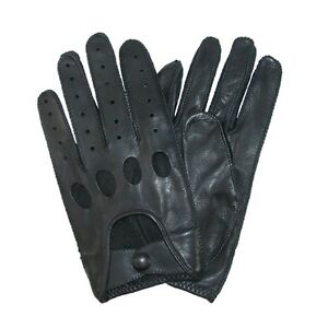 Isotoner Men's Smooth Leather Driving Glove With Covered Snap Style 45011