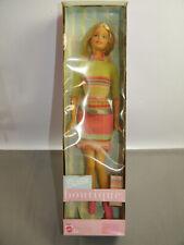Barbie Boutique 56431 Poupée En Court Robe Mattel Avec Emballage (K60)