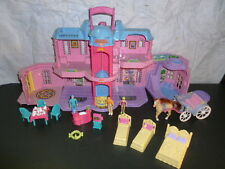 Fisher Price Go ANYWHERE Sweet street Hotel carriage