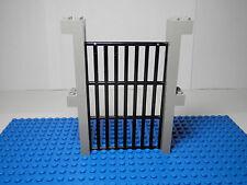 LEGOS NEW Black Castle Sliding Gate and 4 Grooved Light Gray Bricks 11.5 cm high