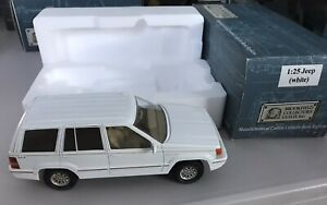 Brookfield Collectors Guild 1994 Jeep Grand Cherokee Limited White
