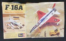 "Vintage 1976 "" GENERAL DYNAMICS F-16A "" 1/72 Scale Revell Model Jet Kit"