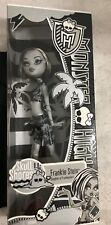 MONSTER HIGH DOLL FRANKIE STEIN  SKULL SHORES BLACK AND WHITE