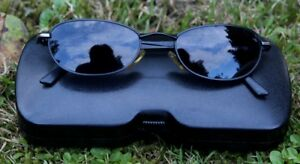 GUESS BLACK MATRIX STYLE VINTAGE SUNGLASSES W/ SMALL OVAL LENSES IN CASE
