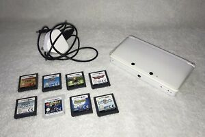 NINTENDO 3DS - ICE WHITE - CONSOLE + GAMES + CHARGER + SD CARD