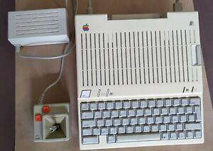 Apple IIc 2c avec alimentation et Joystick rénové