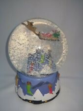 Christmas Santa Claus is Coming to Town Musical Snow Globe