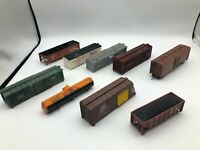 Lot of assorted damaged HO scale freight cars - for parts or repair