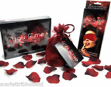 Perfecto romántico Regalo You & Me Erótico Para Adultos Juego De Mesa con los ojos vendados y pétalos de rosa