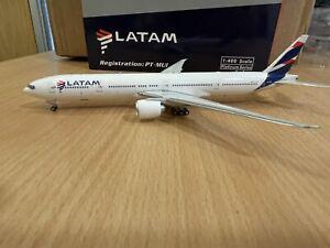 LATAM 777-300ER 1:400 (Reg PT-MUI) PH11509 Phoenix