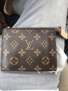 louis-vuitton coin purse