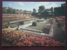 POSTCARD LONDON HAMPTON COURT PALACE THE POND GARDEN