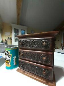 HANDMADE MINIATURE CHEST OF DRAWERS. CARVED FRONTS. ANTIQUE?