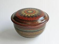 Keramiken nach Stil & Epoche mit Dosen