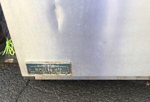 Arctic Air Mega-Top Sandwich/Salad Prep Table Model AMT28R