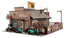 Woodland Scenics HO Scale Built-Up Building/Structure Deuce's Cycle Shop