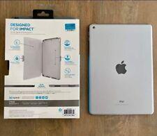 Apple iPad 5th Gen 32GB (Unlocked/WiFi) 9.7in A1822 White/Silver