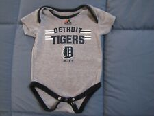 MAJESTIC MLB DETROIT TIGERS BASEBALL INFANT GRAY ONE PIECE SNAP SIZE 3 - 6 MONTH