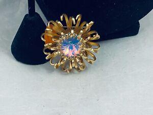 VTG. SARAH COVENTRY RAINBOW RIVOLI CRYSTAL GOLD TONE 3D FLOWER BROOCH