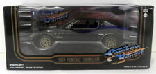 Voitures, camions et fourgons miniatures noirs Greenlight 1:24