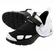 New Jordan Trunner Lx Black/White 897992-010 Size 9.0 Rare