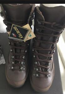 NEW British Military Army Combat Goretex Boots Female Waterproof Walking Size 7M