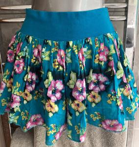 2 H&M Srirts Size 8 Zip Front/ Floral