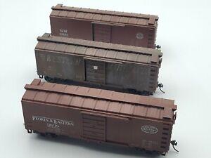 HO - ROUNDHOUSE -(3) 40' BOX CARS (1)    PEORIA & EASTERN, (2) WESTERN MARYLAND