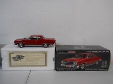 AMERICAN MUSCLE AUTHENTICS MALIBU 1965 CHEVELLE SS 396 1:18 SCALE DIE CAST CAR
