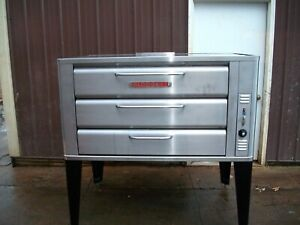 BLODGETT 981 DOUBLE  PIZZA OVEN WITH  NEW STONES