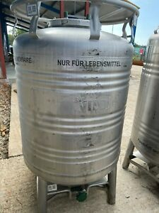 930 Litre stainless steel tank for food storage