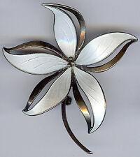 HROAR PRYDZ NORWAY VINTAGE STERLING SILVER WHITE ENAMEL DIMENSIONAL FLOWER PIN*