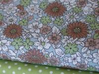 GREEN BEIGE DAISY vintage FLORAL 100% cotton material -craft bunting dressmaking