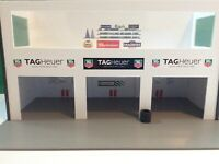 Ready Made 1:32 Scale Tag Heuer - Castrol 3x Car Pit Building Scalextric Carrera