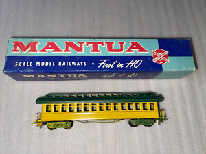 HO SCALE MANTUA OLD TIME CARS Day Coach  #501.assembled Yellow Green