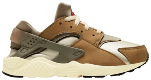 "PS Nike Huarache Run x STUSSY ""Desert Oak"". Style: DH3324-200. US Size 3Y."