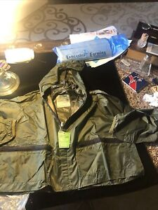 New with Tags Action Wading Jacket Size Small Lightweight Nylon.