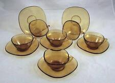 6 franz. Teegedecke aus Glas, 4 eckige Form, gelb-braun