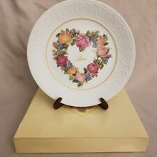 """Vintage 1987 Avon Collector Plate """"A Bouquet of Love"""" New in Box"""