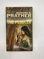 The Peddler Richard Prather Vintage Mystery PB Pin Up Sexy Sleaze Cigarette R4