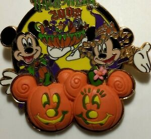 Disney Pin Happy Halloween 2008  Mickey And Minnie 3D Pumpkin Patch LE 3000 NOC