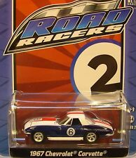 BLUE AND WHITE 1967 CHEVROLET CORVETTE GREENLIGHT 1:64 SCALE DIECAST METAL CAR