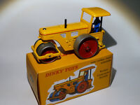 Rouleau compresseur RICHIER - ref 830 au 1/43 de dinky toys atlas