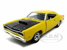 1969 DODGE CORONET SUPER BEE YELLOW 1:24 DIECAST MODEL CAR BY MOTORMAX 73315