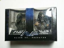 AVP Alien Vs Predator Limited Mini-Bust 2-pack Set